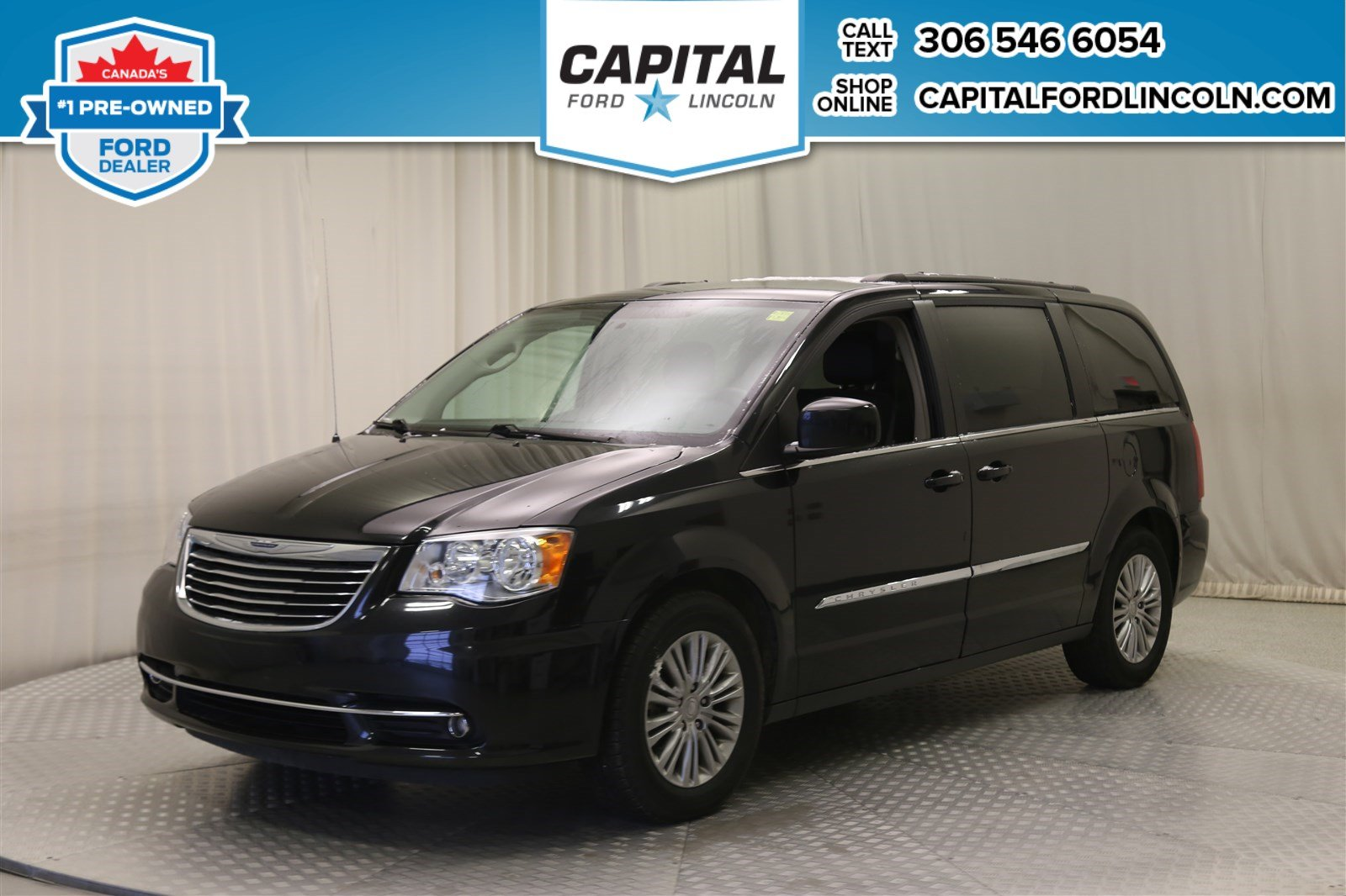 Pre-Owned 2016 Chrysler Town & Country Touring * Leather *