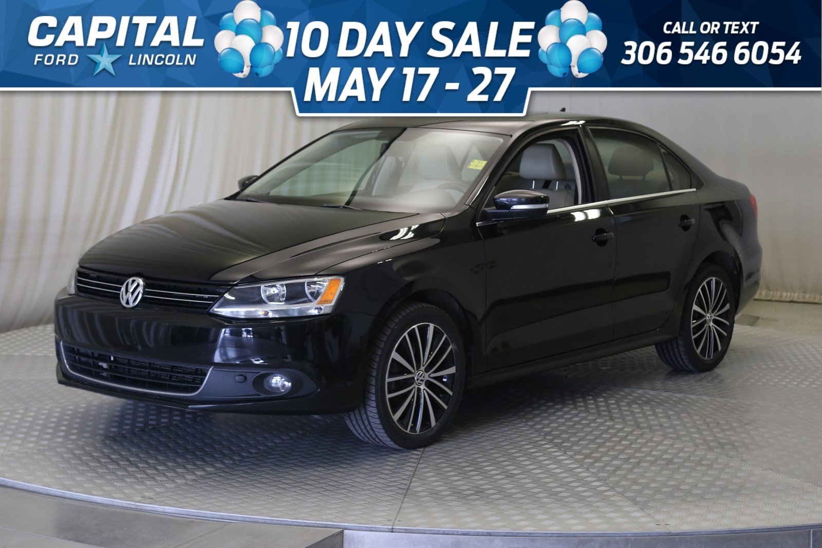 Pre-Owned 2013 Volkswagen Jetta Sedan Highline | Diesel Leather | Sunroof |
