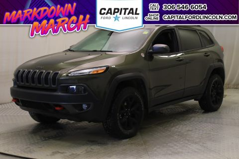 Pre-Owned 2015 Jeep Cherokee Trailhawk 4WD * Leather * Sunroof *