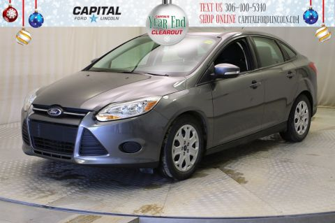 Pre-Owned 2014 Ford Focus SE Sedan