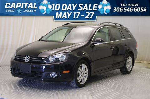 Pre-Owned 2011 Volkswagen Golf Wagon Comfortline | Panoramic Roof |